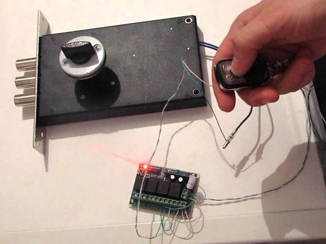 Электромеханический кодовый замок