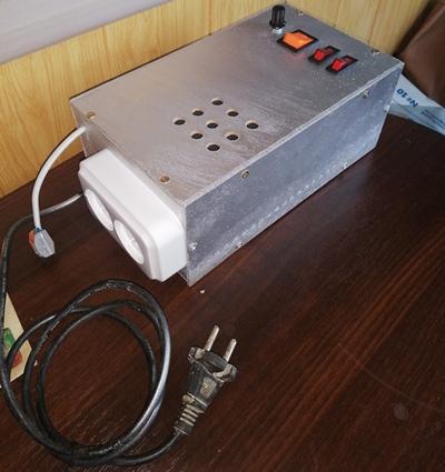 Коробка с блоком питания для шпинделя на 3 ось